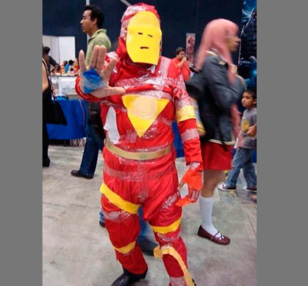 6 Homemade Halloween Costumes That Shouldn't Have Been Homemade ...